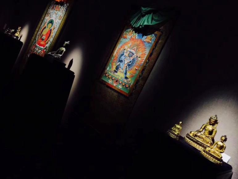 track light yang dipimpin untuk sistem pencahayaan galeri seni